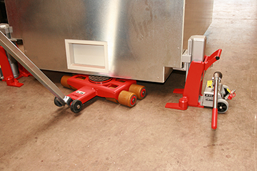 A toe jack for heavy loads is shown in the picture.